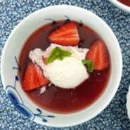 Rabarber og jordbærsuppe