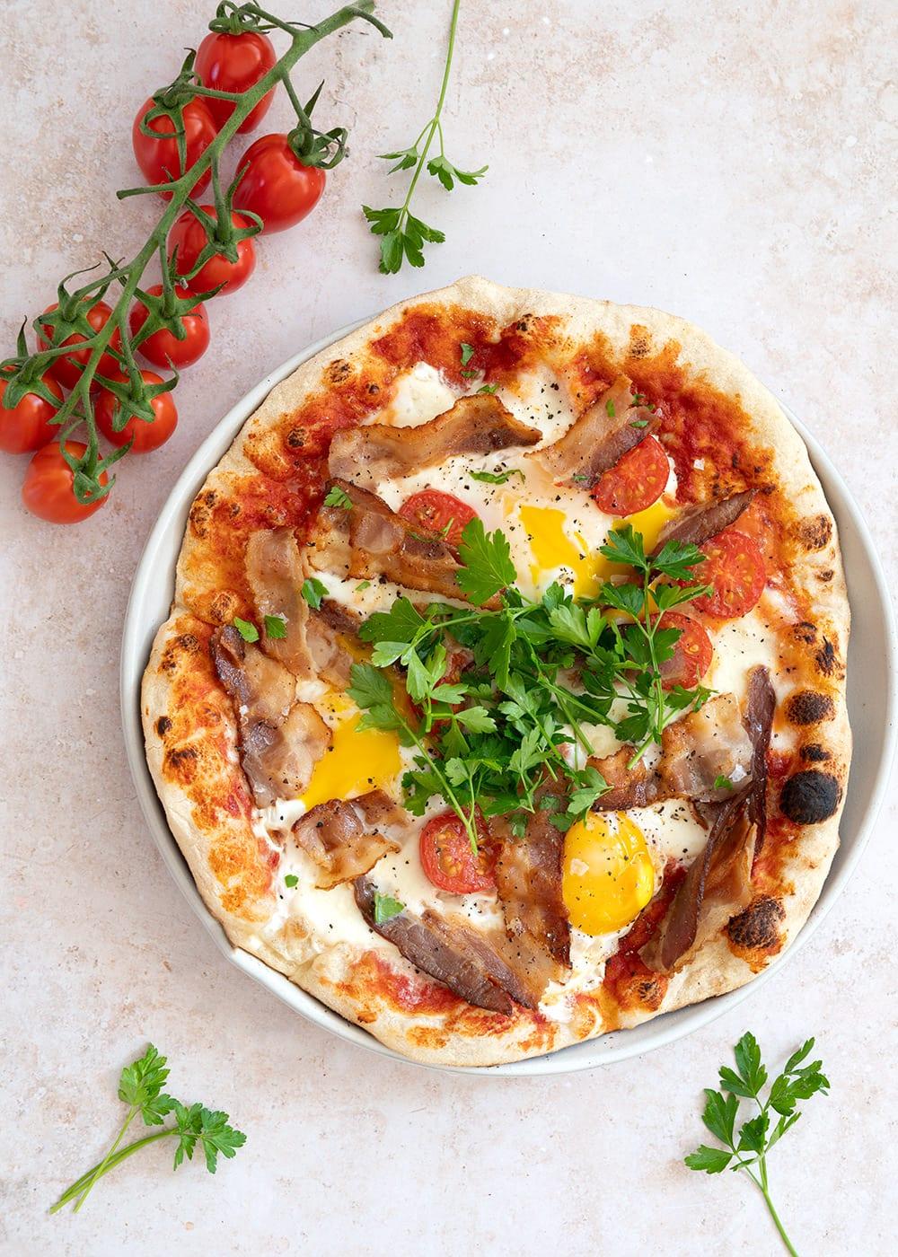 english breakfast pizza
