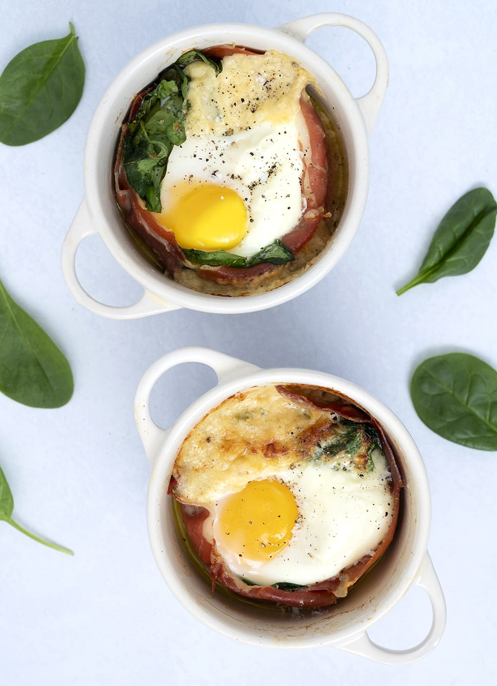 æg og spinat med sennepscreme