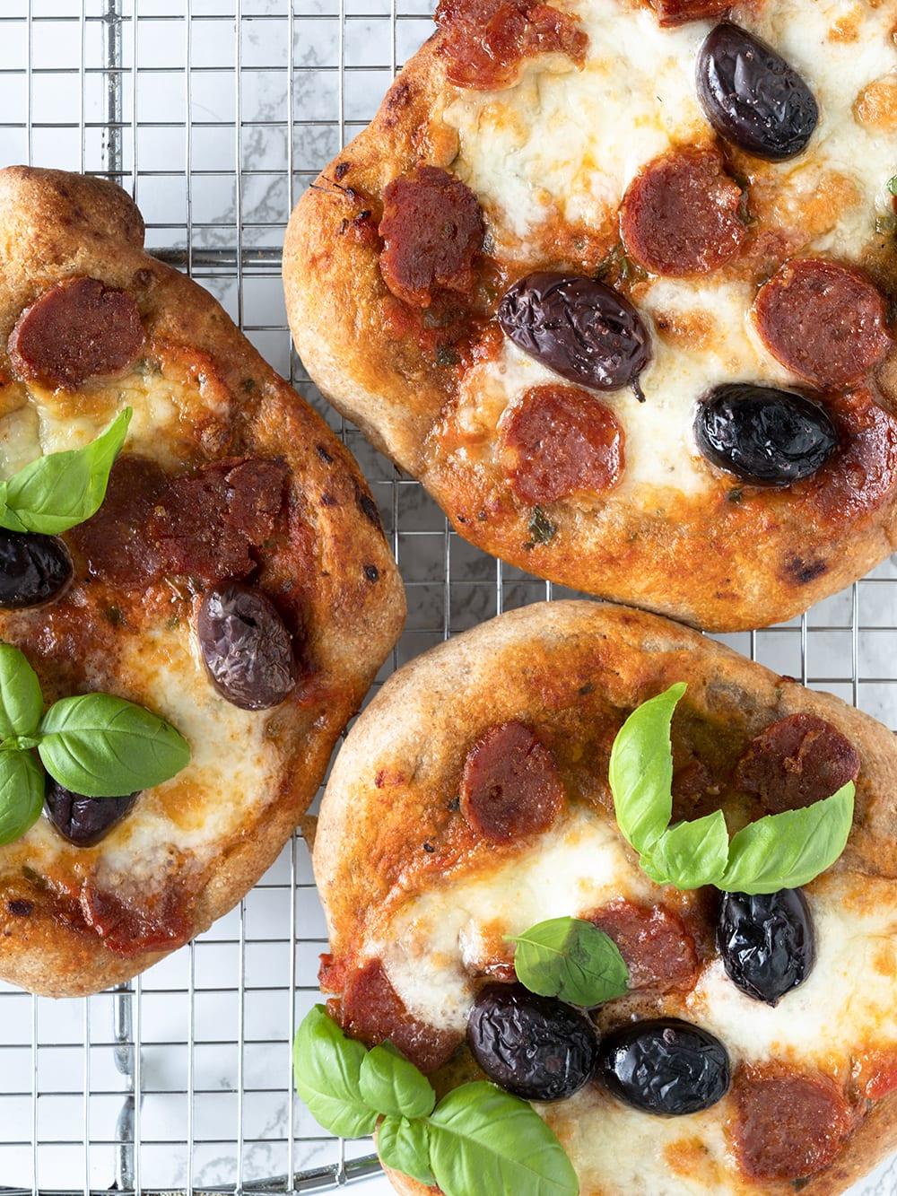 mini pizza chorizo