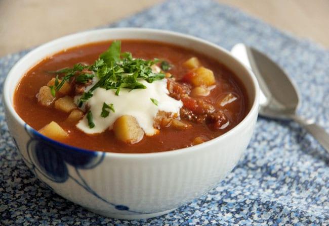 ungarsk gullash suppe