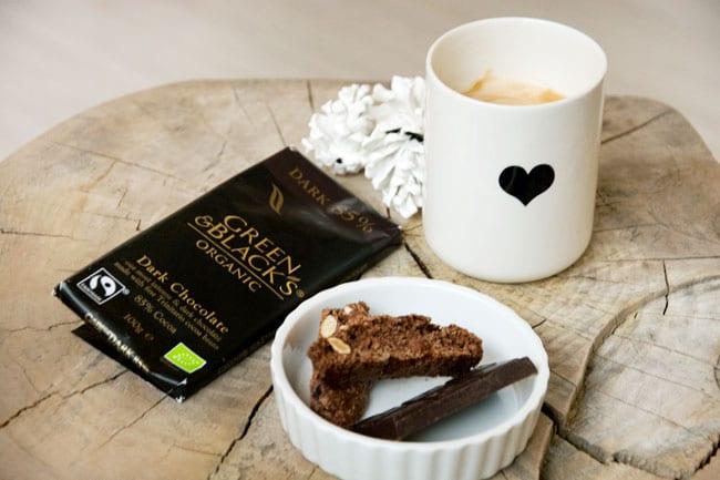 kaffe-biscotti-og-chokolade