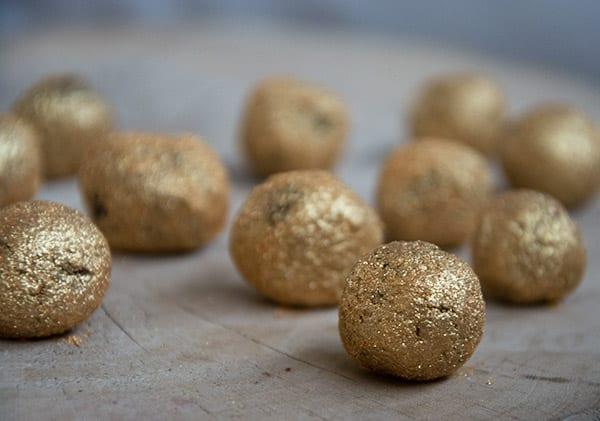 konfektkugler guldstøv