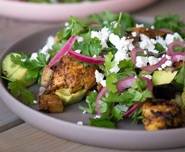 Salat med Kylling og aubergine-croutoner