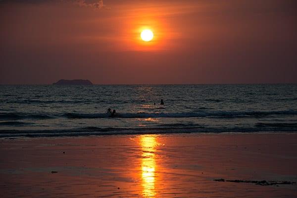 solnedgang-ved-havet