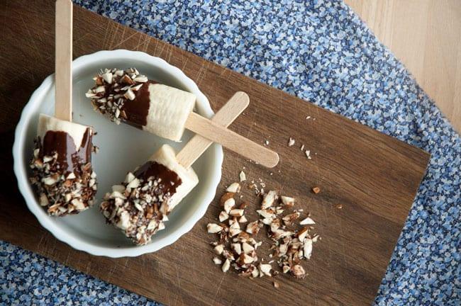 Frossen-banan-is-med-chokolade