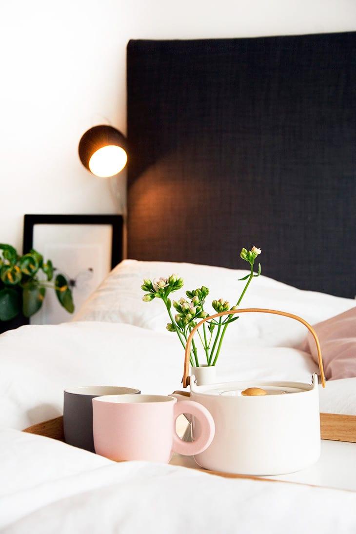 Soveværelse   diy sengegavl og sengeborde inspiration