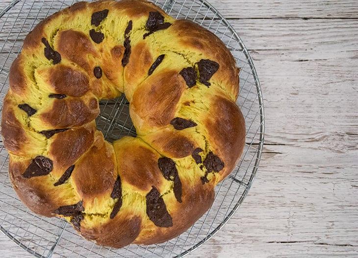 Luciakrans – flettet gyldent brød til lucia
