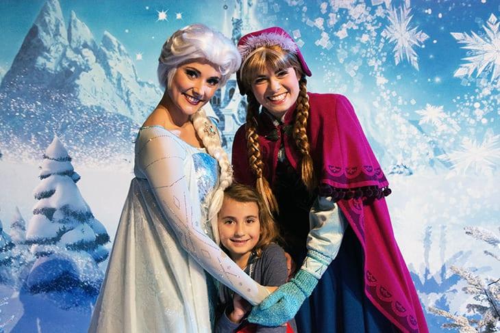Elsa-anna-frozen-disney