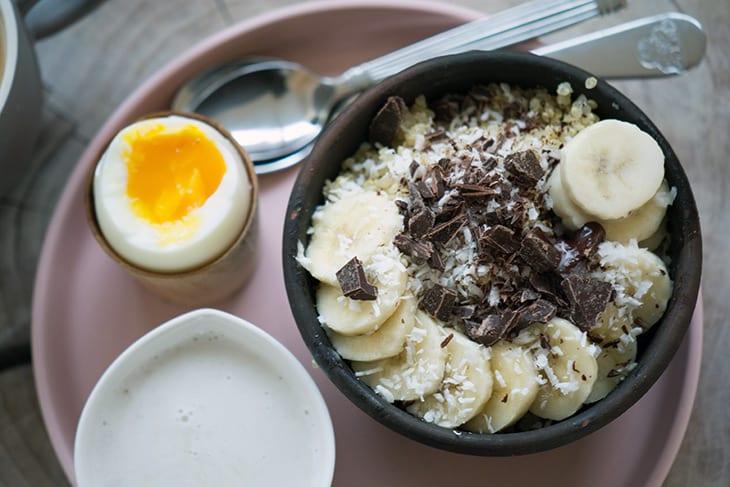 Fantastisk quinoagrød med kokos og banan