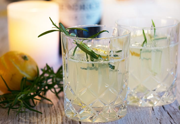Cocktail med bergamotte og gin