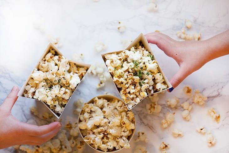 popcorn-opskrift