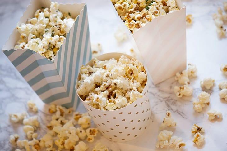 Popcorn opskrifter – 3 skønne varianter med fantastiske krydderier og smag