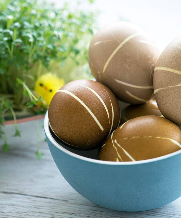 farvede æg med striber