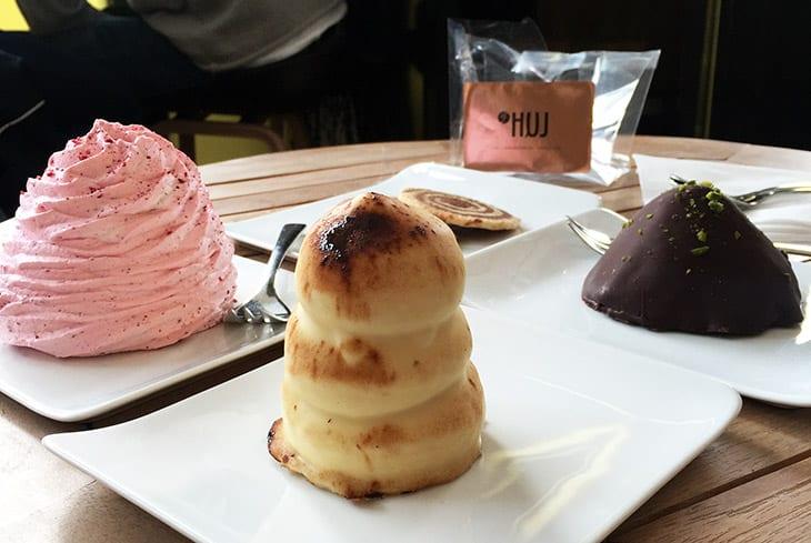 flødeboller og kage
