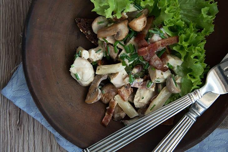 Hønsesalat med bacon