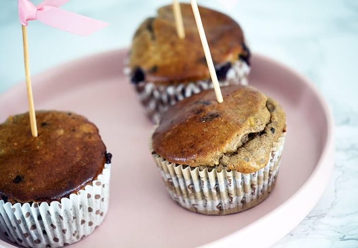 nemme bananmuffins med chokolade