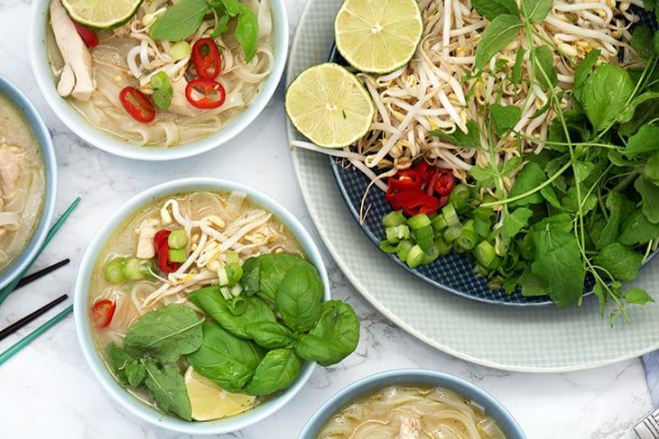 Pho Ga Lækker Vietnamesisk Nudelsuppe Med Kylling Opskrift