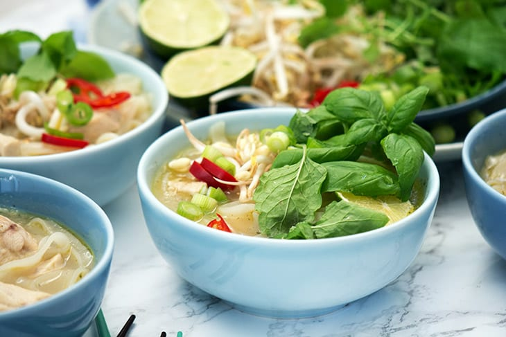 Pho Ga vietnamesisk nudelsuppe kylling