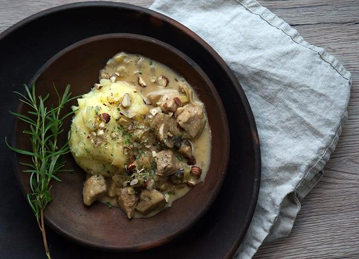 Enebærgryde med kartoffelmos