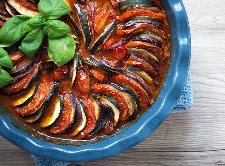 Fabelagtigt Ratatouille - nem og god opskrift på den lækre klassiske grøntsagsret QR22