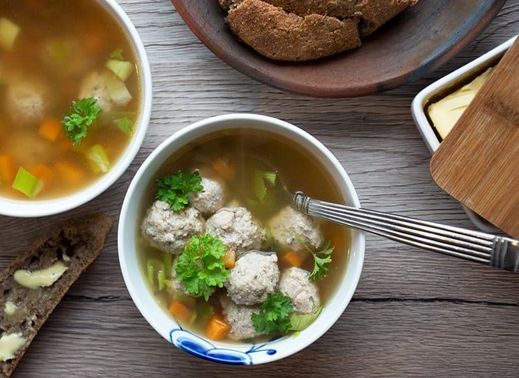hjemmelavet suppe på kylling