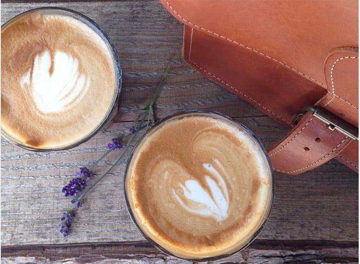 drikker kaffe i have