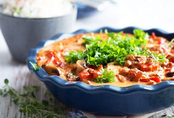 Pikant koteletter i fad med chorizo
