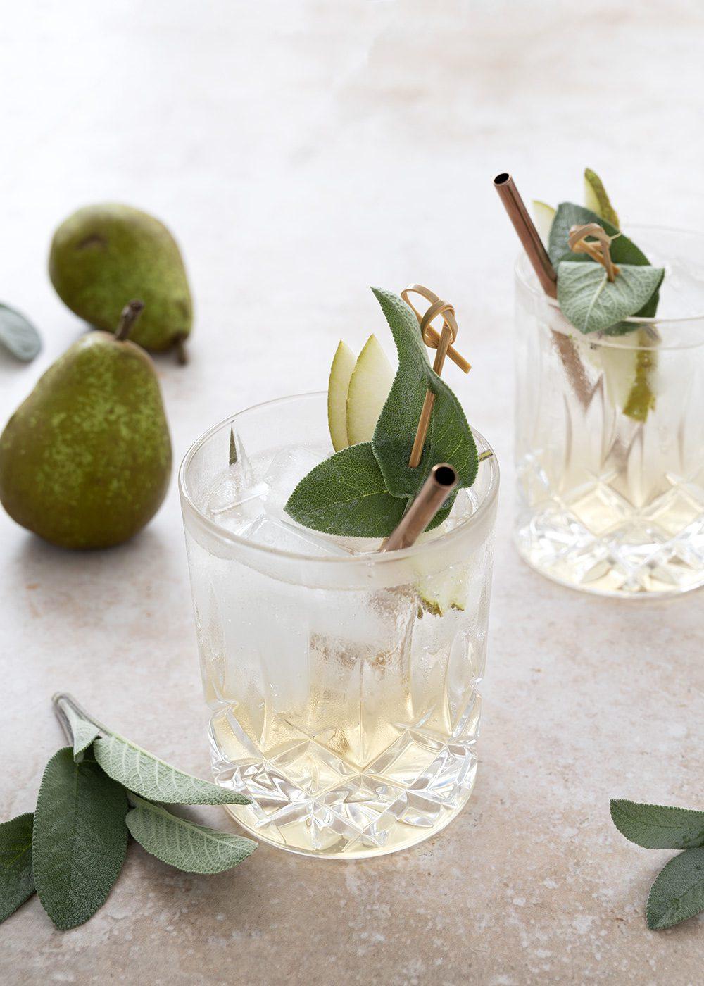 pære gin og salvie cocktail