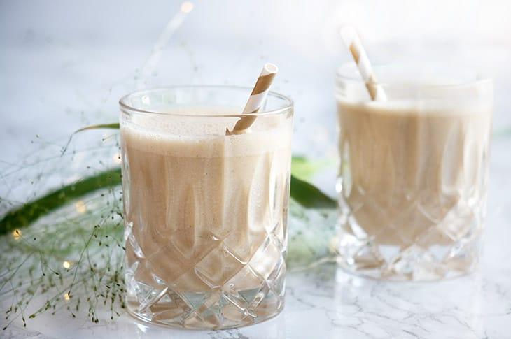 Peanutbuttersmoothie - opskrift på lækker smoothie med peanutbutter