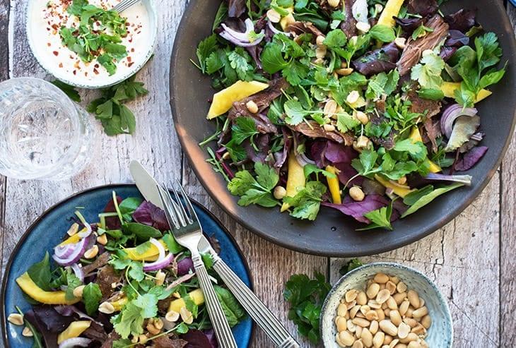 Salat med and og mango - opskrift på vietnamesisk inspireret salat
