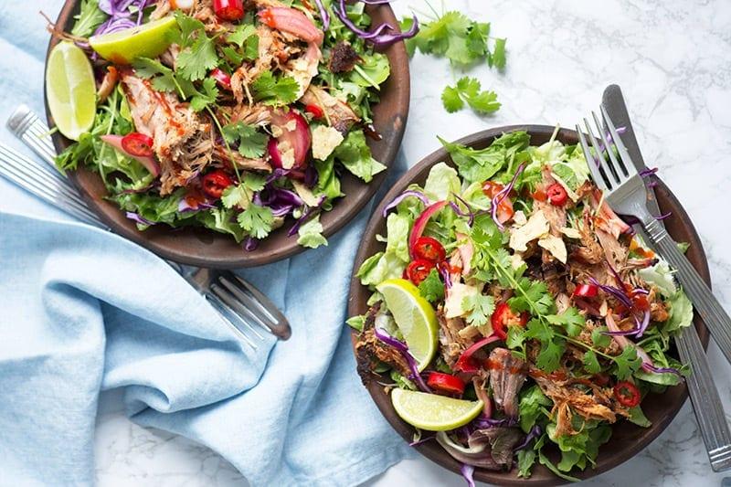 Salat med pulled pork - lækker opskrift ala tex mex køkkenet