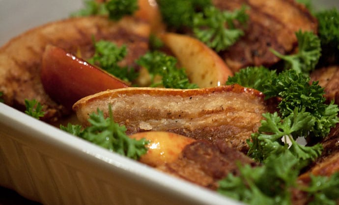 æbleflæsk Opskrift På Stegt Flæsk Med Rustikke Søde æbler