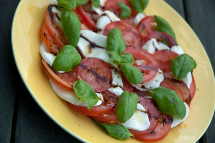 caprese tomatsalat opskrift
