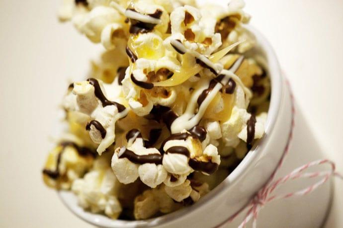 Chokolade og karamel popcorn
