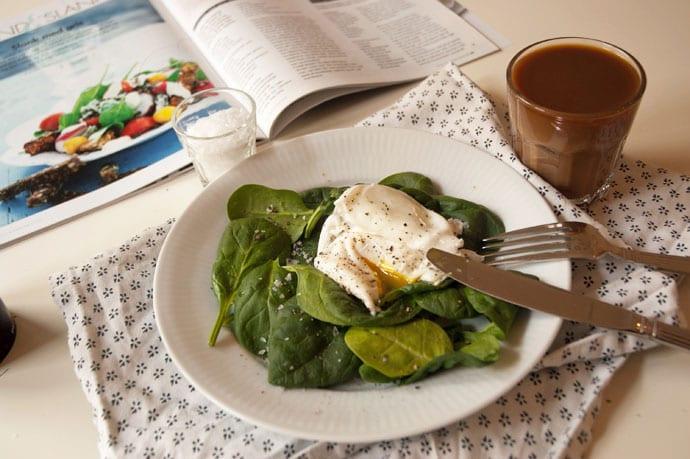 Pocherede æg med spinat